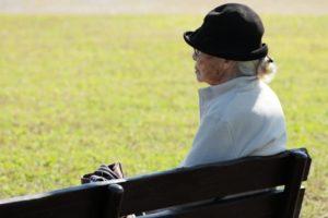 コミュニティ 高齢者 ビジネス